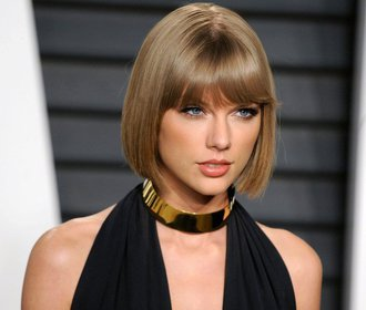 Taylor Swift vyhrála soud: Moderátor, který ji obtěžoval, musí zaplatit jeden dolar!
