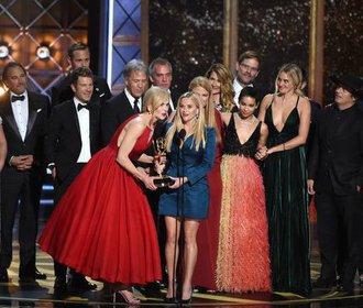 Emmy 2017: Sedmilhářky vítězily na jevišti i na červeném koberci