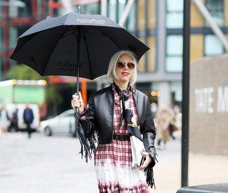 Módní inspirace z ulic Londýna: Barevné sukně, mikiny & úsměv!