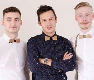 Kluci, co rozvířili nejen českou módu. Látku vyměnili za dřevo a slaví úspěch