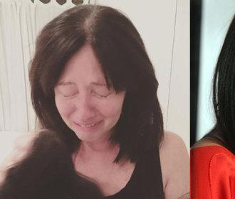 Brenda z 902 10 s chomáči vlasů v rukou a se slzami v očích: Rakovina je s vámi navždy!