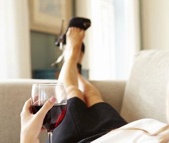 Nemáte chuť na sex? Zahoďte cigarety a dejte si víno