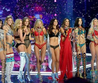 Přehlídka Victoria's Secret: Návrat po mateřské i loučení s kariérou andílka