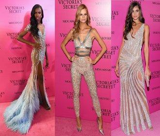 25 nejkrásnějších šatů z Victoria's Secret večírku: Rozparky, výstřihy, krajka a třpyt!