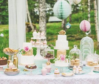 Dekorace na svatbu jsou detailem, který vytváří atmosféru – patří na stůl i na obřad