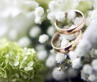 Originální snubní prstýnky – ceny, možnosti materiálů a rady, jak vybrat ty pravé