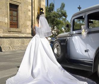 Historie svatebních šatů: V čem se vdávaly nevěsty během posledních sto let?