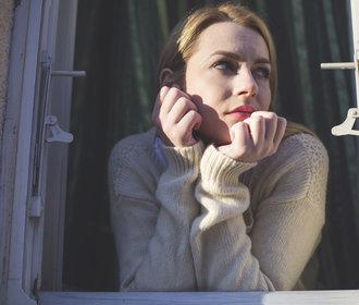 Jarní únava: Překonávat ji, nebo ji prostě přijmout a přežít?