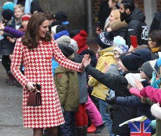 Nejkrásnější těhotenské outfity vévodkyně Kate. Čím překvapila nejvíc?