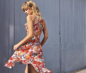 40 nejkrásnějších květinových šatů: Vyberte si, ve kterých okouzlíte vy!