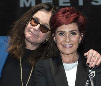 Páry, které spolu zůstaly: Tyto celebrity mají recept na štěstí!