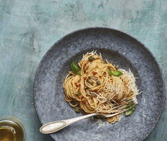 Rychlý oběd do práce: Špagety s pestem ze sušených rajčat!