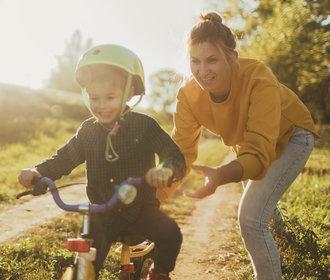 Jaká jste máma podle horoskopu? Kdo umí děti podpořit a kdo je naopak dusí?