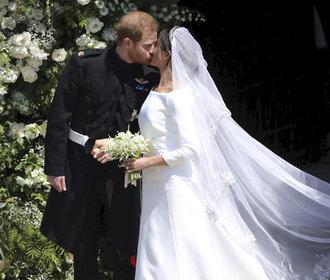 Svatební šaty vévodkyně Meghan budou konečně k vidění naživo!