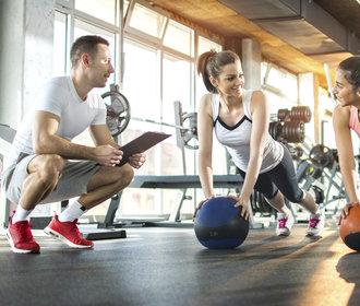Nejlepší cviky na pevný zadek, ploché břicho nebo menší stres. Víme, co zabírá!
