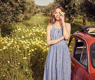 50 nejkrásnějších pruhovaných letních šatů na dovolenou i do města