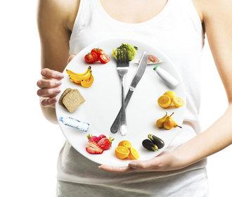 Intermittent fasting neboli přerušovaný půst: Komu pomůže zhubnout a jak začít?