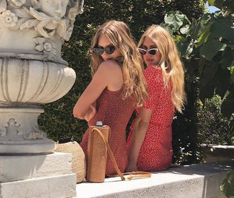40 nejkrásnějších červených šatů, ve kterých budete chtít trávit celé léto