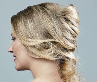 Hubneme do plavek: Jak si svůj čas u hair stylisty užila Šárka?