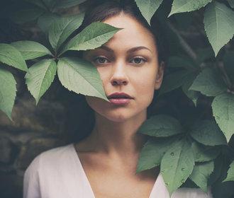 Obličejová jóga: Co všechno dokáže s vašimi rysy a vráskami?
