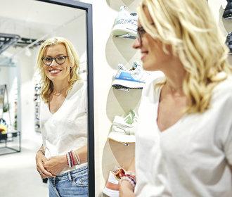Lenka Ondruchová: Založila úspěšný obchod s teniskami, dnes se učí chodit bosa