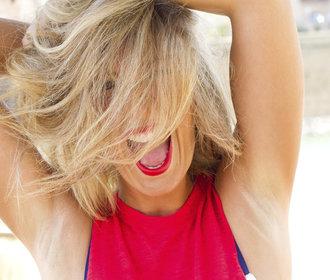 Testujeme v redakci: Který deodorant dlouho voní a nezanechává stopy na oblečení?