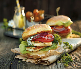 Halloumi burger, hit letošního F.O.O.D. pikniku! Připravte si ho sami!