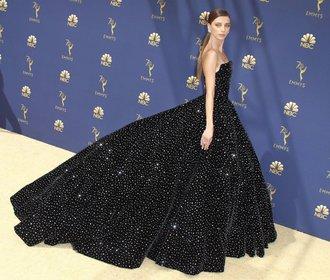 Emmy 2018: Kdo si odnesl cenu a kdo měl nejkrásnější šaty?