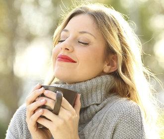 Pitím čaje ke spokojenějšímu životu. V čem je jeho síla?
