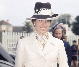 Módní styl princezny Anne, sestry Charlese. Čím inspiruje módní ikony dnes?