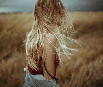 Terapie pro vaše vlasy: Co dělat, když se mastí, lámou nebo padají?