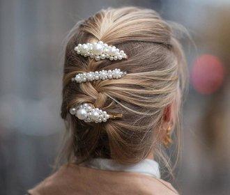 Sponky do vlasů ovládly Instagram: Kde koupíte ty nejkrásnější?