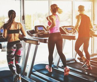 Trénink na pásu: Jak běhat efektivně a jaké vám přinese výhody?