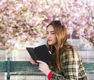 Knihy, které nás baví: Houbařka, intelektuálka, japanoložka a bestseller o krmení ptáků