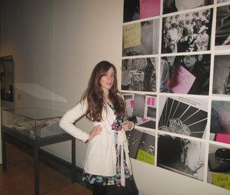Rovnost mužů a žen pořád není samozřejmostí, říká autorka výstavy o ženské emancipaci