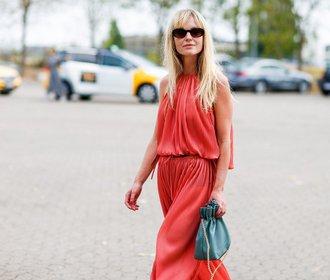 Stylové dlouhé overaly: Potěší minimalistky i milovnice šatů!