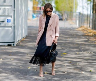 Ideální na léto: Kde právě teď seženete stylové lněné sako?