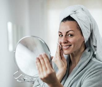 Jak vyčistit pleť: Návod na dokonalou péči krok za krokem!