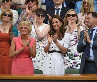 Styl na Wimbledonu: Kate na jedničku, Meghan to podcenila