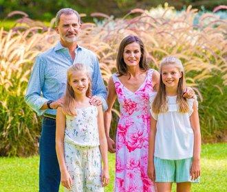 Nejkrásnější královská rodina vás okouzlí fotkami z prázdnin. A William s Kate na nich nejsou!
