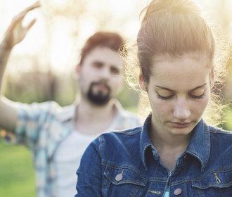 Jak si přestat ničit vztahy? Zaměřte se na tyto věci, které možná děláte