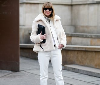 Nejpohodlnější kabátek, který zbožňují celebrity, je zpět! Kam pro něj?