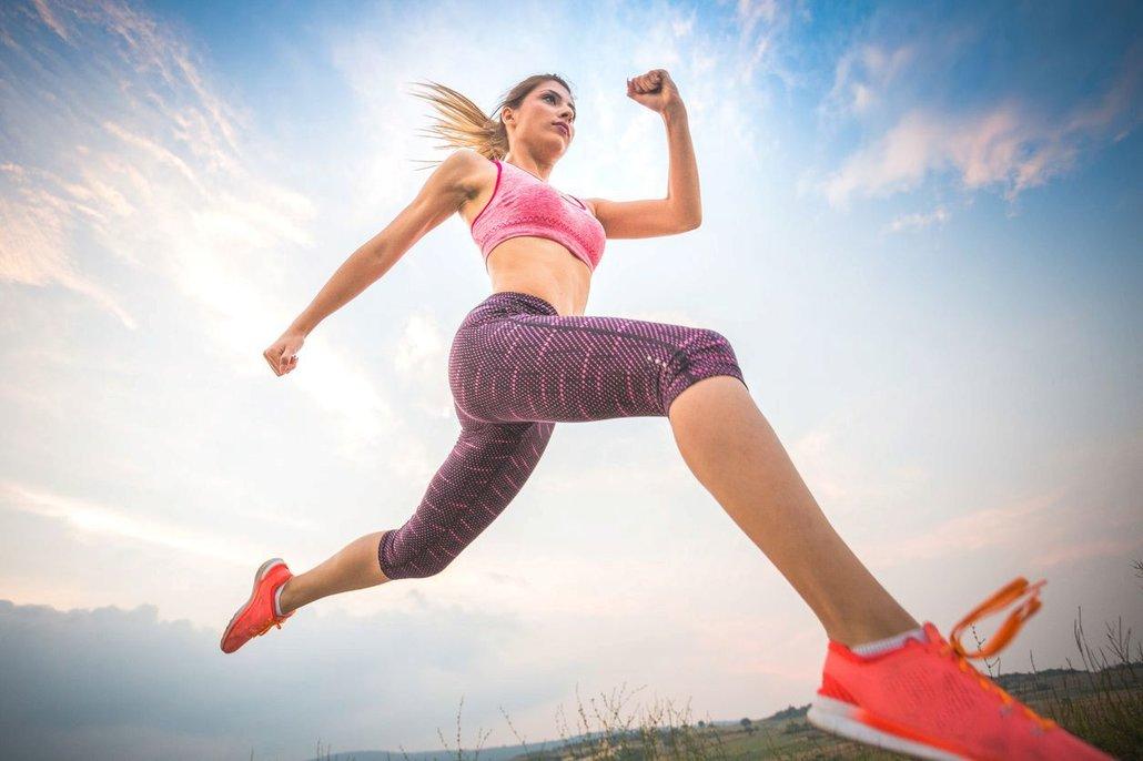 Pomočování při fyzické námaze je jedním z příznaků povolených svalů pánevního dna