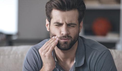 Jak na bolest zubů? Babské rady i léky, které zabírají