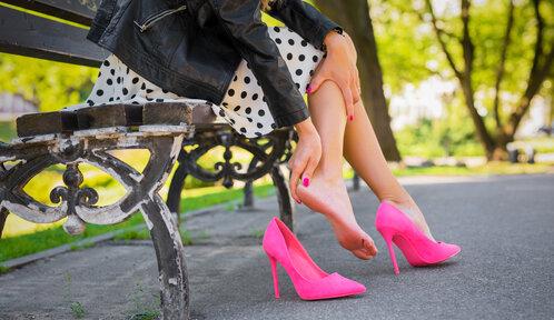 Pět tipů, jak vyzrát na puchýře z letních bot