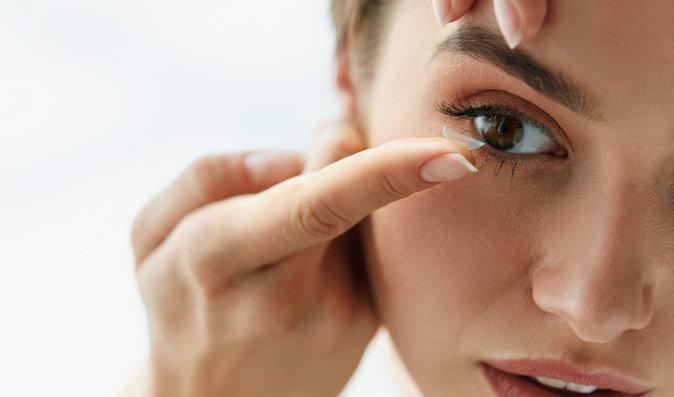 7 největších mýtů o čočkách! Mohou se v oku ztratit?