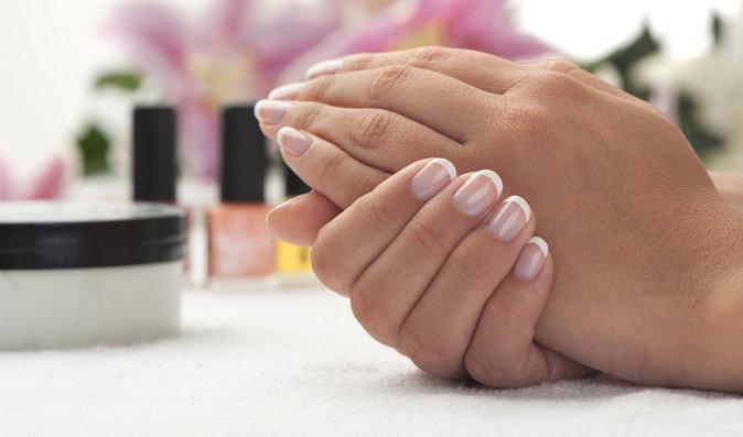 Barva nehtů nás může varovat i před rakovinou. Jak to poznáte?