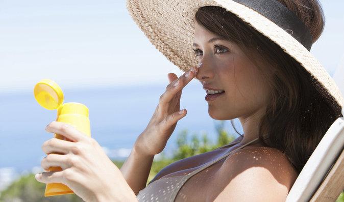 V létě by vám neměl chybět opalovací krém