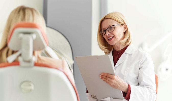 Může zubař požadovat pokutu, když pacient nepřijde na domluvené ošetření?