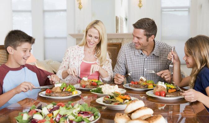 Jak přivést rodinu ke zdravějšímu stravování? Po krůčcích!